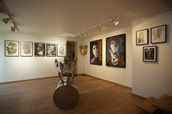 Galerie JOHN EXPOSE 2021. Credit photos : Didier Ducroc Association  Les deux Atelier 2021.